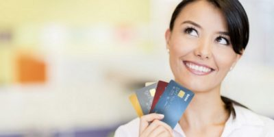 karta-kredytowa-karta-debetowa-różnice