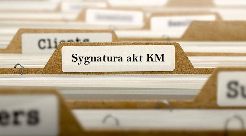 sygnatura-akt-km